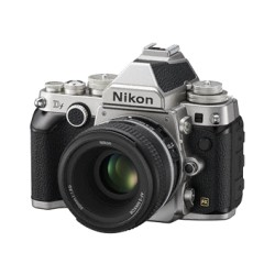NIKON DF BODY SILVER + AF-S 50 mm f/1.8 NEW + LEXAR SD 8GB 400x GARANZIA NITAL 4 ANNI